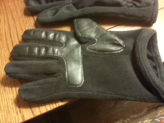 Isotoner Signature Active SmarTouch Gloves